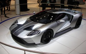 The new 2017 Ford GT will have a twin-turbo 600 horsepower V6 instead of a V8. The last generation Ford GT had a 5.4L 500 horsepower V8.