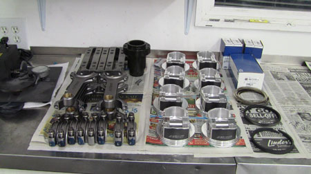 There are a lot of products available for assembling and breaking in engines, but know which ones to choose can be a difficult task for shops. Each component requires a different lubricant to aid in the breaking in process.