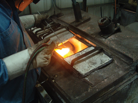 all cylinder head welding is done with an acetylene torch, cast iron rod, and cast iron welding flux. the oven allows the head to maintain its temperature throughout the welding process, resulting in a far more precise repair.