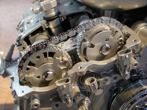 DOHC_Camdrive_with_variable_Valve_timing-web