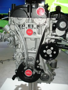 The 2.3L Ford Ecoboost I-4 engine used in the Mustang utilizes twin independent variable camshaft ­timing with a silent chain cam drive.